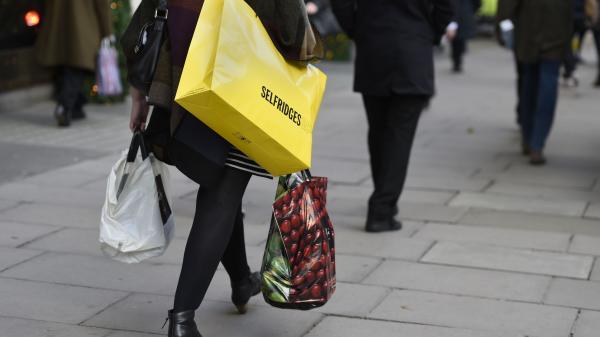 Spendthrift Britons stop saving
